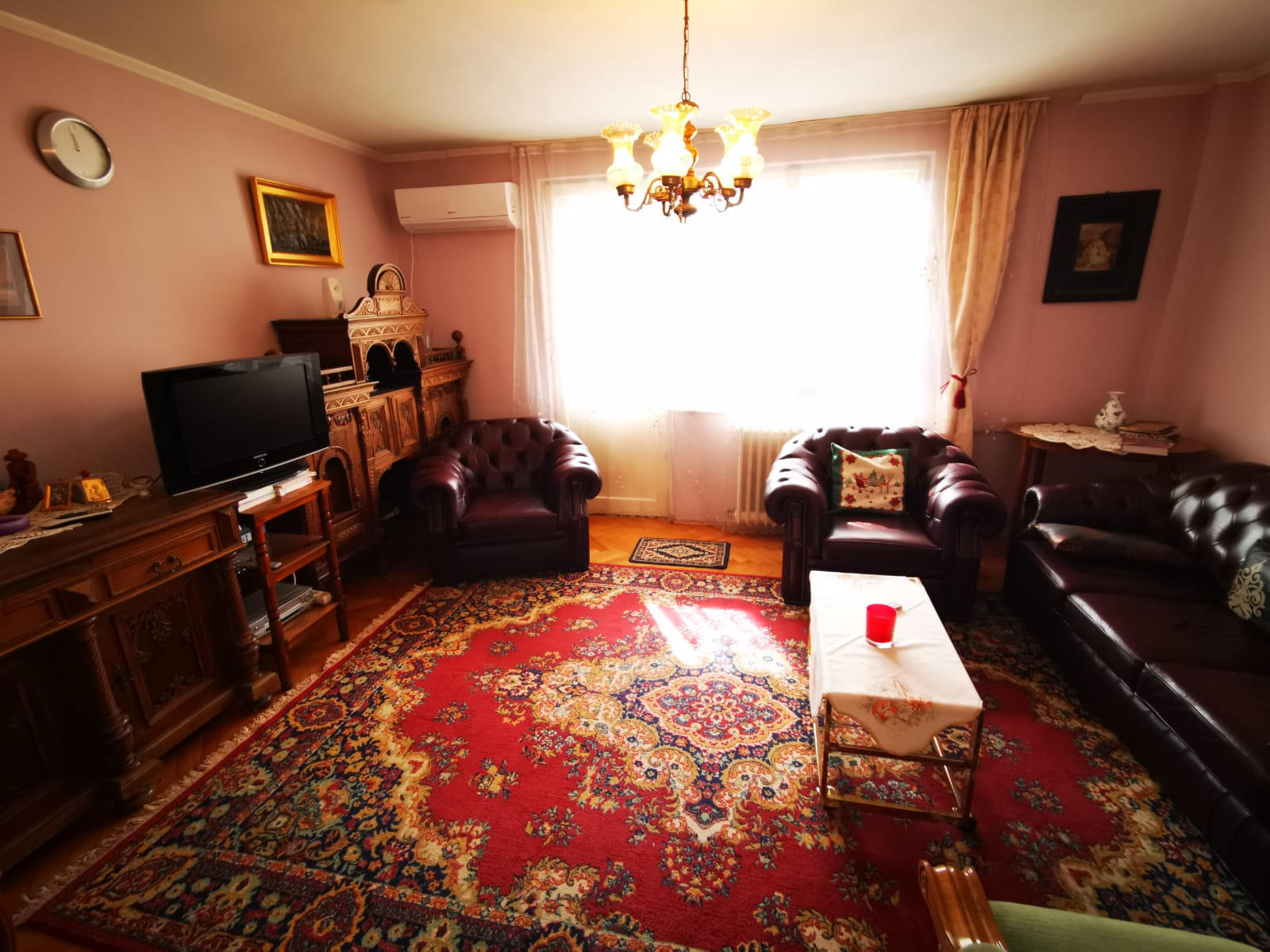 Oportunitate! Apartament cu 4 camere si 2 bai, decomandat, Bvd. Dacia, Oradea, Bihor