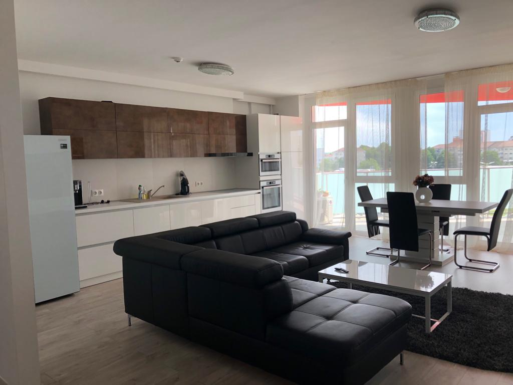 CasAparta inchiriaza apartament lux, 3 camere, 2 bai, Ared, Oradea, Bihor